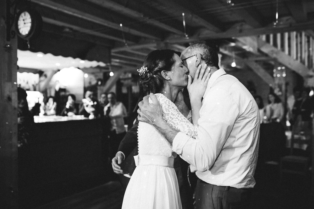 176_mailys_fortune_photographe_mariage_accroche_coeur