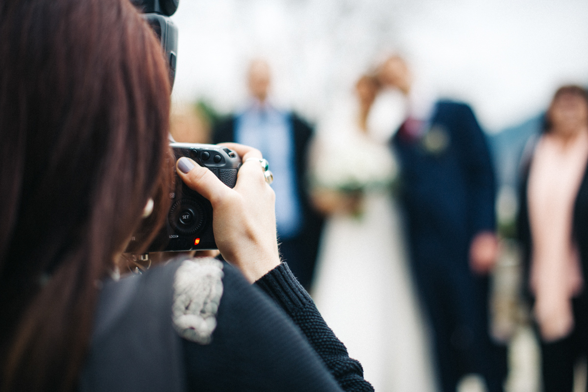 85_mailys_fortune_photographe_mariage_accroche_coeur
